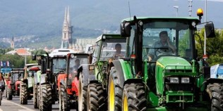 Αγρότες και Τρακτέρ