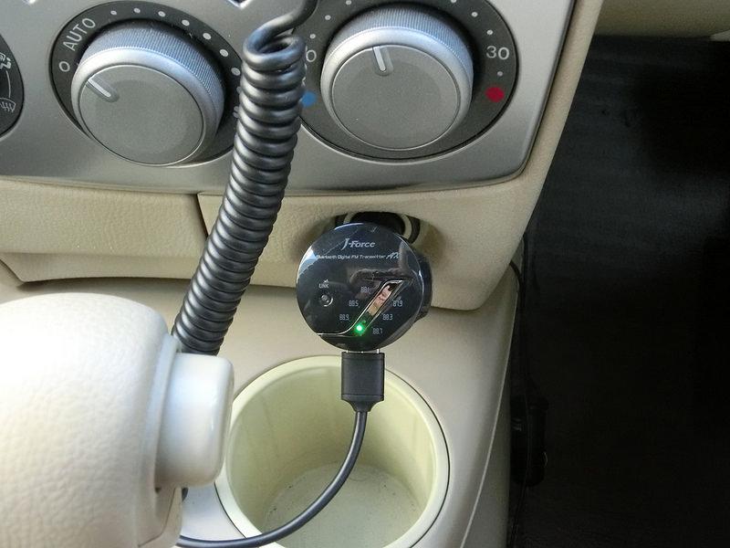 大人気!車載用J-Force Bluetooth FMトランスミッターの新型を使ってみました。