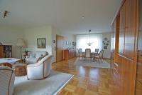 KR-TRAAR! Klassisches freistehendes Einfamilienhaus in ...
