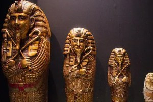 Mummies Feat