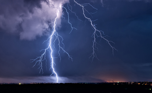 11 Awesome Facts About Lightning - Kids Discover