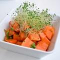 Ensalada detox de papaya, cilantro y brotes de chía