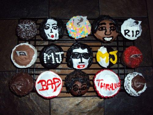 michael jackson cupcakes overhead shot