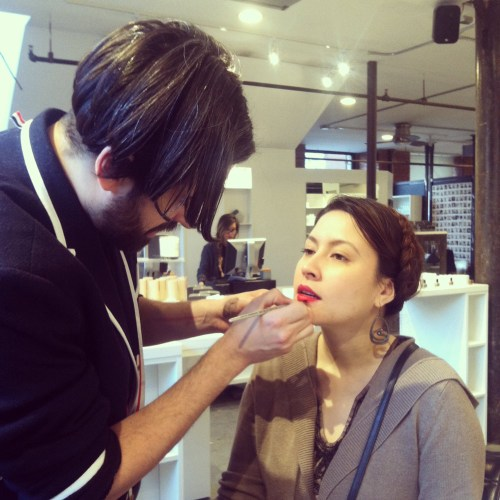 daniel alvarez of woodley and bunny applies hourglass lipstick in icon on natural beauty blogger kimberlyloc