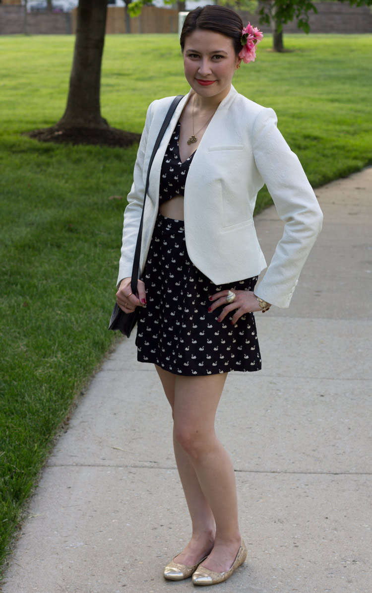 kimberlyloc outfit post staring swan