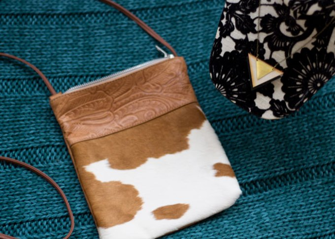 lovely hunt palomino bag and dipped wood necklace