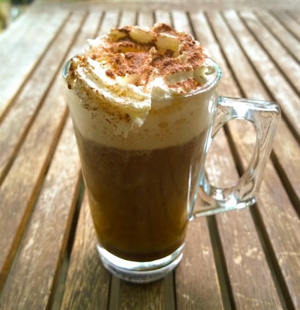 Pumpkin spice Kürbis im Kaffee