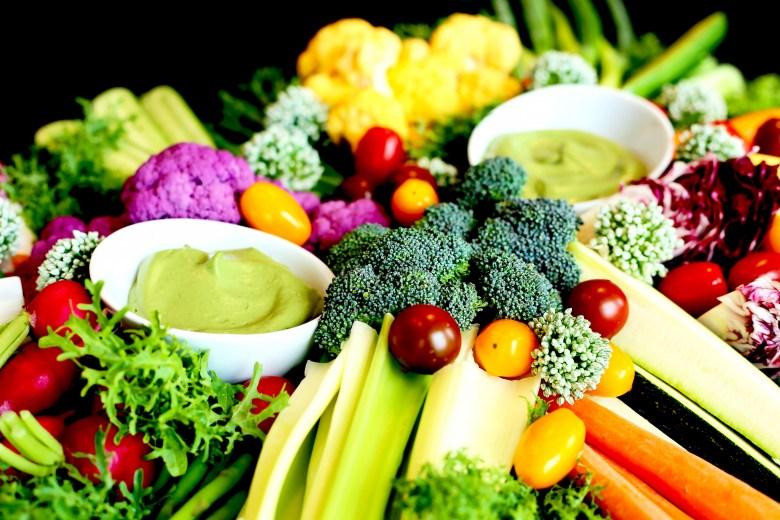 crudites-vegan-creamy-herb-dip