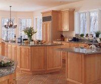Light Maple Cabinets in Kitchen - Kitchen Craft Cabinetry