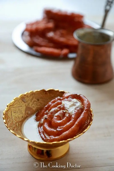 {Guest Post} – Jalebi with Vanilla Flavored Rabdi from Jehanne, The Cooking Doctor