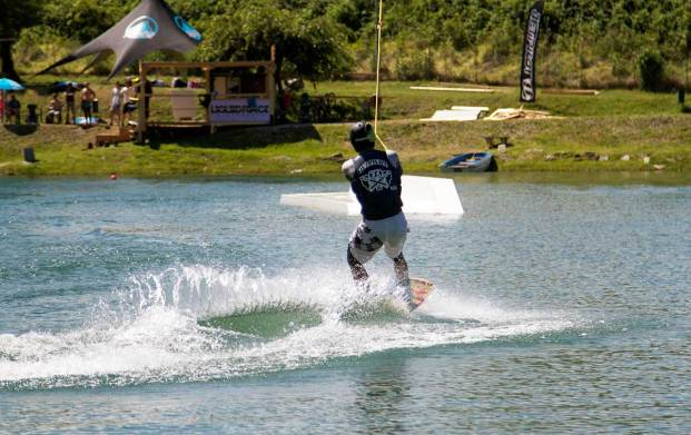 Lake-Como wakeboarding with KTS40