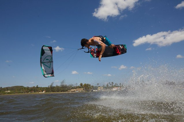 Airush Razor Alex Pastor Edition kitesurfing reviews kiteworld magazine