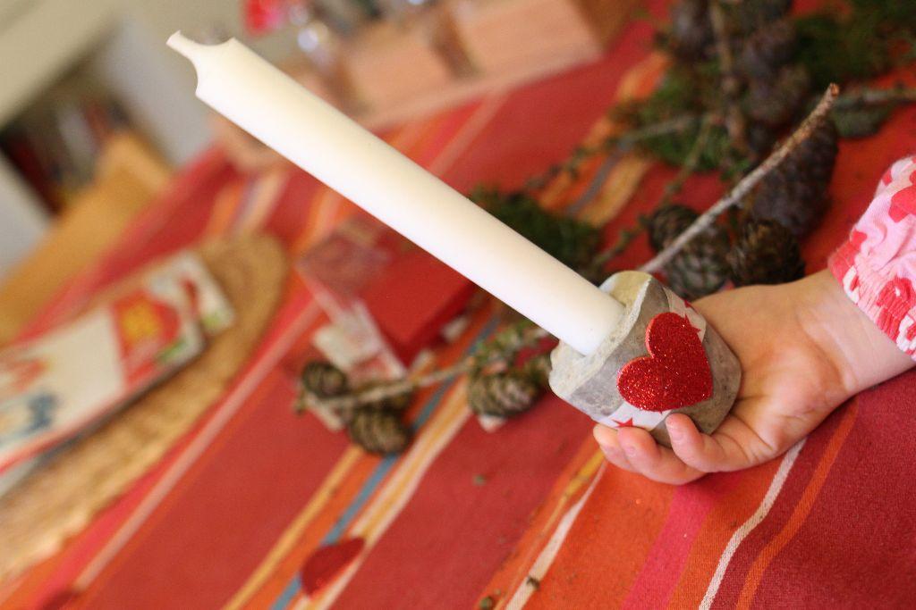 DIY: weihnachtliche Kerzenhalter aus Beton