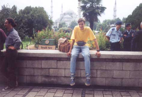Stambule (Turkija). Fone - taip vadinama Mėlynoji Mečetė.