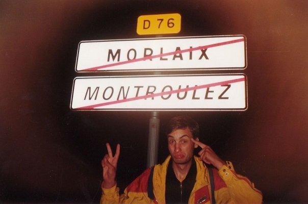 2000.07.19 - miestelio Morlaix vardas dviem kalbom: prancūziškai ir bretaniškai
