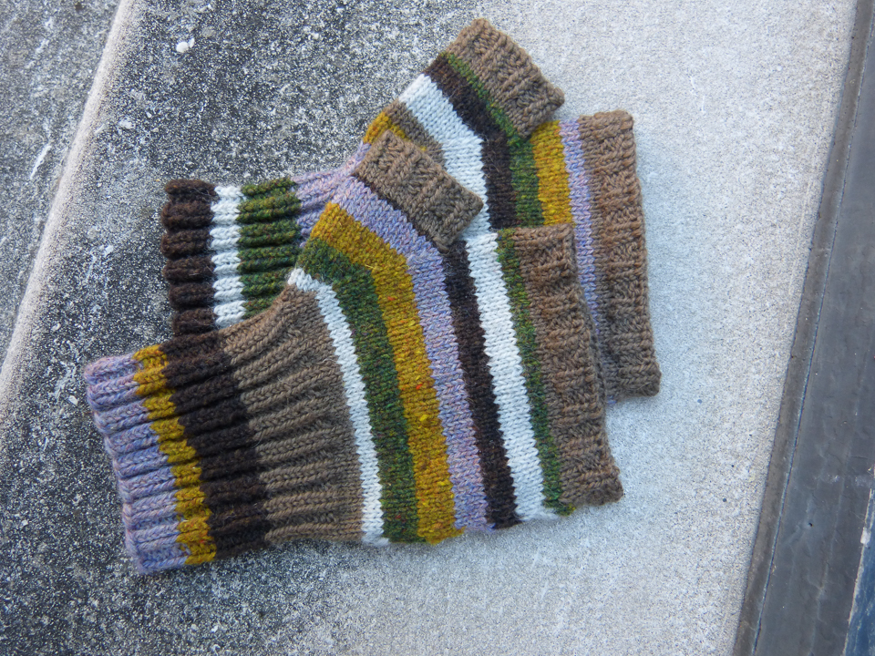 Plain brown mitts - one of the pleasing ad straightforward introductory patterns, introducing thumb gussets