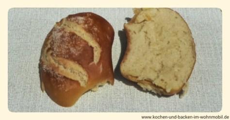 Laugenbrötchen www.kochen-und-backen-im-wohnmobil.de