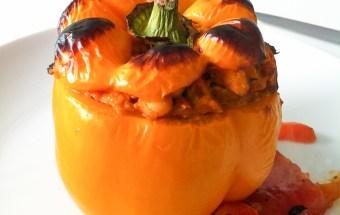 vegan-for-fit-rezept-gefuellte-paprika-weisse-bohnen-raeuchertofu-1