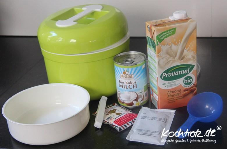 veganer-joghurt-mit-kokosmilch-und-mandelmilch-1