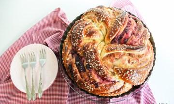 grundrezept-hefezopf-striezel-strudel-mit-dinkel-rhabarber-cranberry-fuellung-12