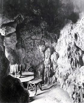 Die Grotte in Schloss Neuschwanstein, Fotografie von Joseph Albert