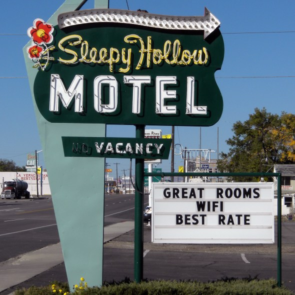 Sleepy_Hollow_Motel_Green_River_Utah_1180