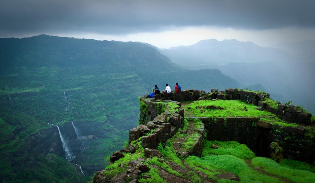 Kolhapur Hikers New Year Spl Trek To Rajmachi