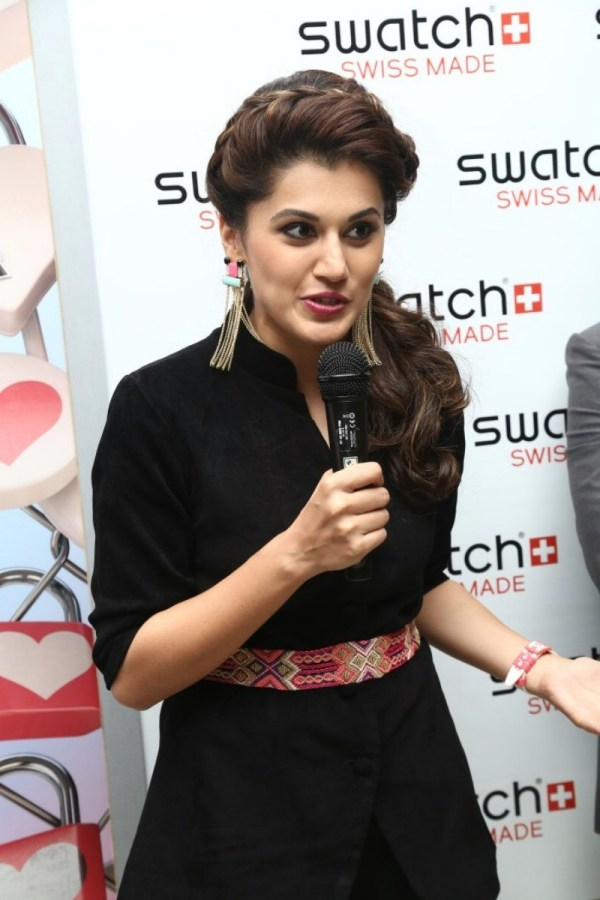 taapsee-at-swatch-launch-stills (10)