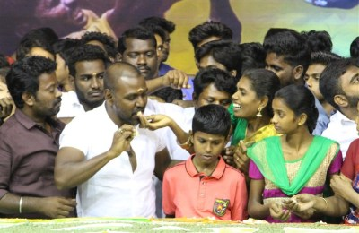 Ragava Lawrance Cake Celebration with Jallikattu Students (48)