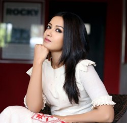 Catherine Tresa New Stills (37)