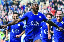 Leicester City's English defender Wes Morgan (C) celebrates after scoring during the English Premier League football match between Leicester City and Southampton at King Power Stadium in Leicester, central England on April 3, 2016. / AFP / BEN STANSALL / RESTRICTED TO EDITORIAL USE. No use with unauthorized audio, video, data, fixture lists, club/league logos or 'live' services. Online in-match use limited to 75 images, no video emulation. No use in betting, games or single club/league/player publications.  /