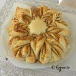 Tahinopsomo (Star Tahini Bread)
