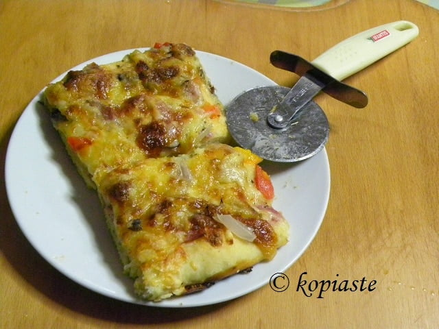 Pizza cut1