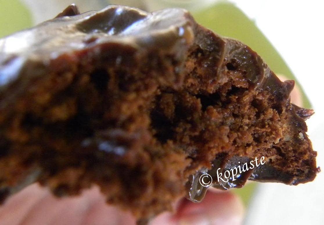 Chocolate amygdalota style cookies cut