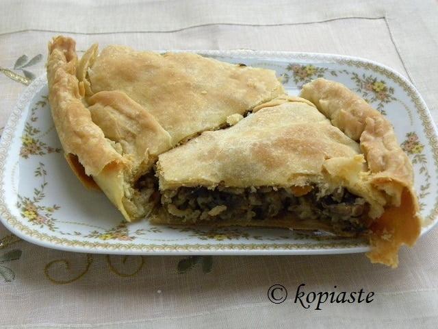 Manitaropita mushroom pie