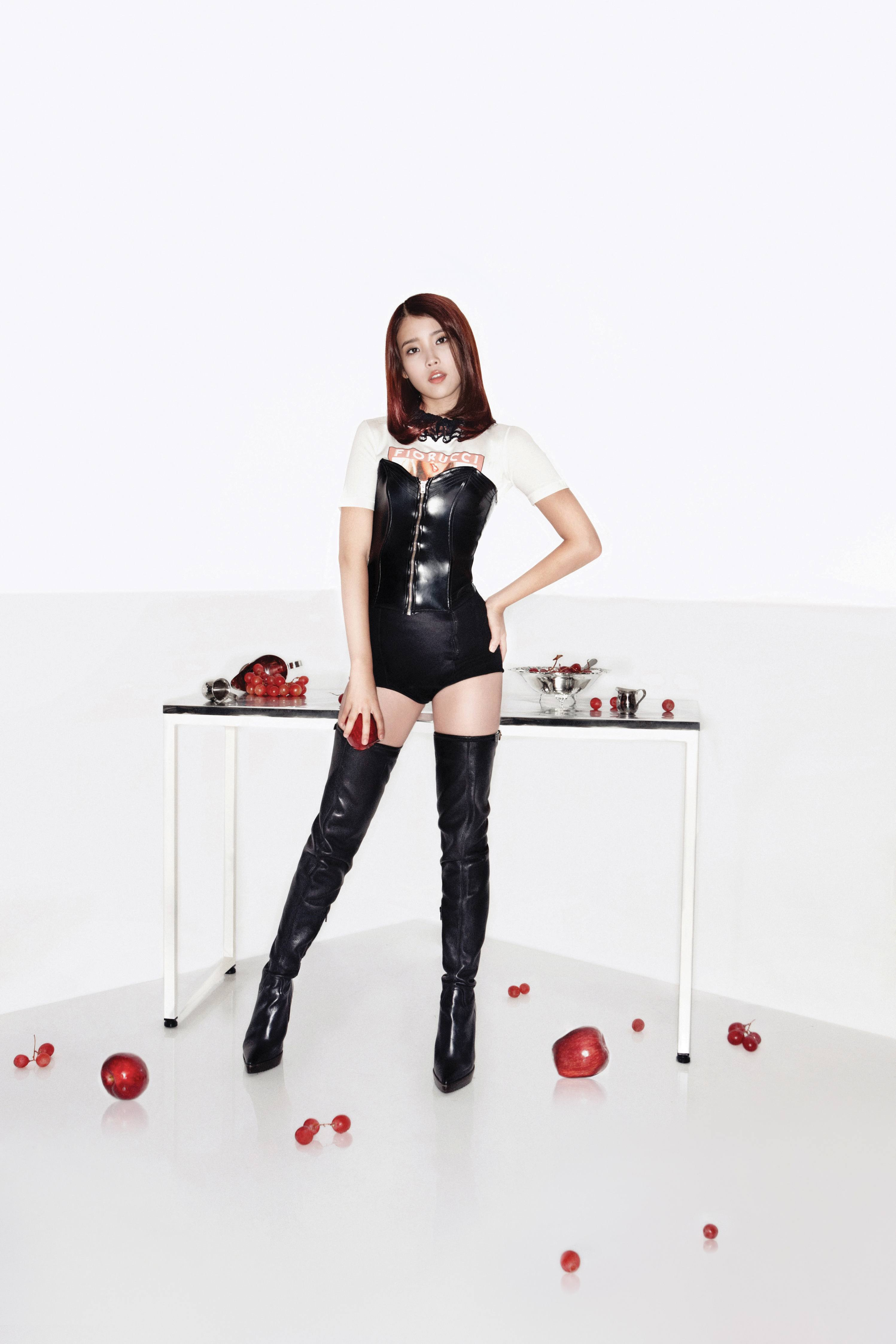 Wallpaper One Piece New World 3d Top 10 Sexiest Outfits Of Iu