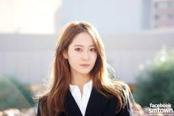 Krystal - f(x)'s Official Facebook - https://www.facebook.com/fx.smtown/photos/pb.202512039769390.-2207520000.1452073386./982002438487009/?type=3&theater