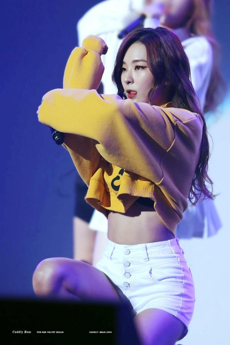 Girl Abs Wallpaper 10 Photos That Prove Red Velvet Seulgi Is The Queen Of