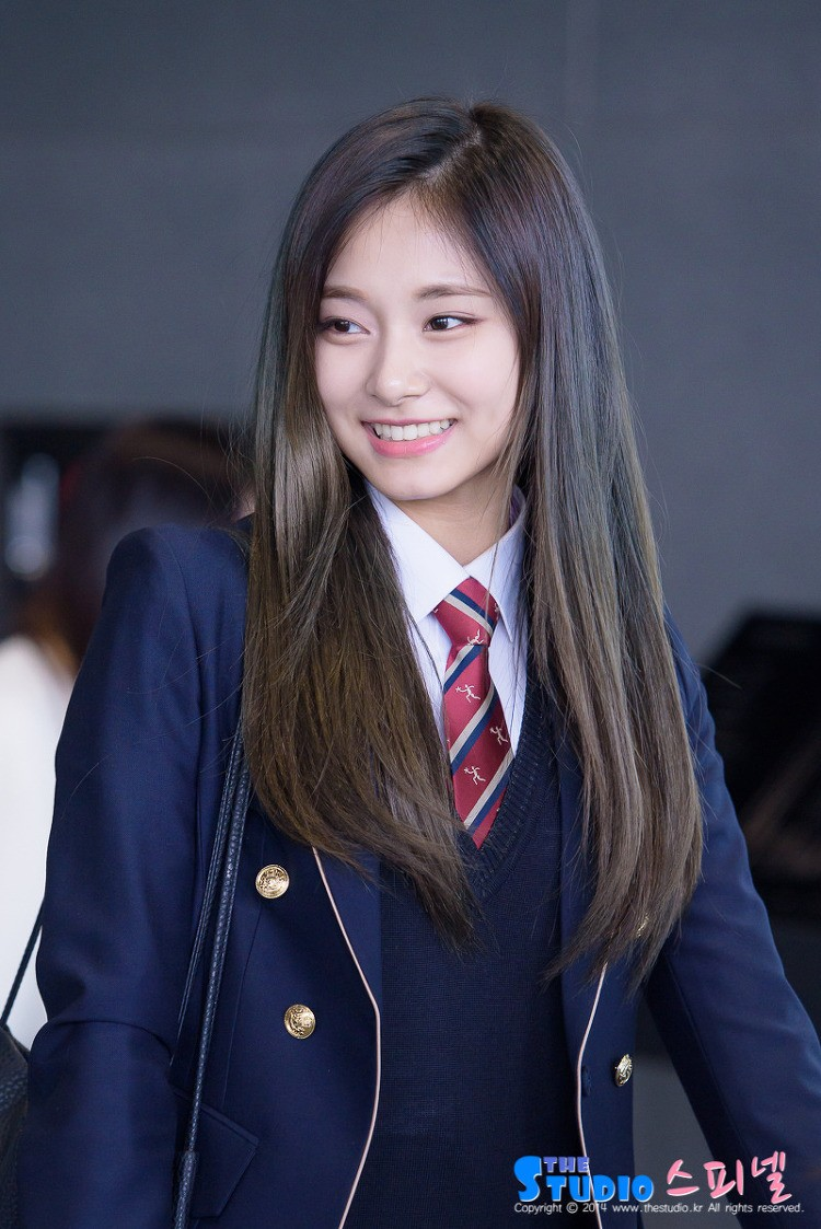Wallpaper Girl Band Korea Tzuyu Is So Popular In Taiwan Students Had To Do Homework