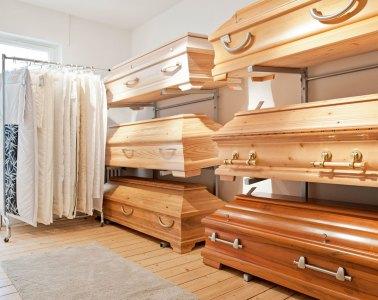 Josef Schmitz Bestattungen - Modernes Bestattungswesen hinter traditionsreichen Mauern
