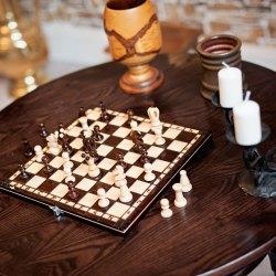 Schach, Tisch