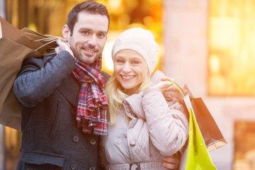 KR-ONE Weihnachts-Gewinn-Shopping, Ehepaar