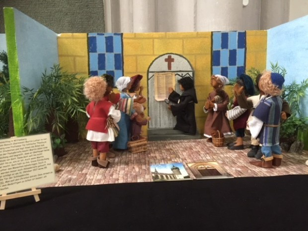 kerk 95 stellingen met poppjes