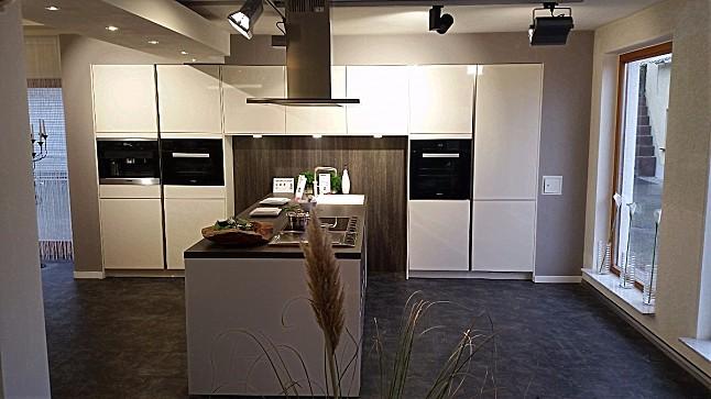 Scheucher Parkett, Scheucher parquet flooring, Landhausdiele Eiche - küchen in u form