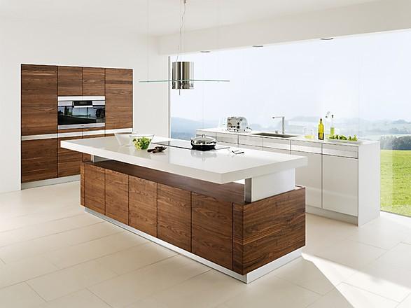TEAM-7-Kuechen-Design-Inselkueche-k7-in-Nussbaum-und-Hochglanz - team 7 küche