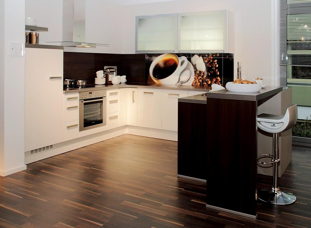 U-Küche weiß mit dunklem Holz - moderne kuchen weiss holz