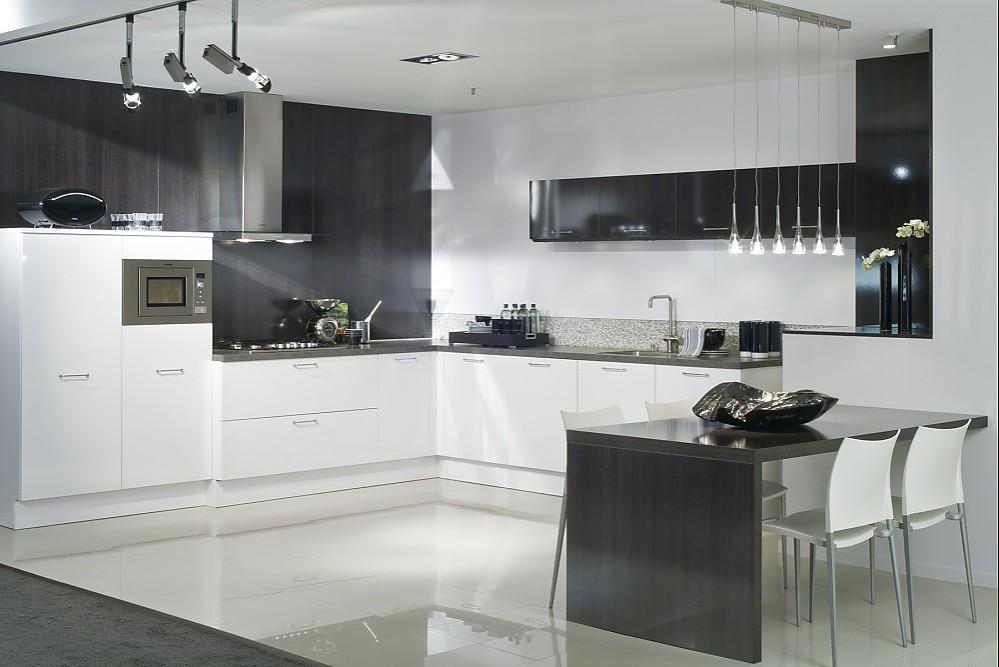 Classicline weiß glänzend - moderne kuchen weiss holz