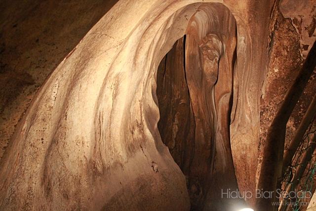 batu di gua tempurung