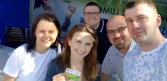 """Wyjątkowo udany start """"Karty Kobyłczanina""""! W pierwszym dniu odebrało ją blisko pół tysiąca mieszkańców!!!"""