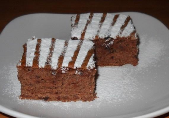 47 570x397 Jednostavan kolač sa džemom od šljiva